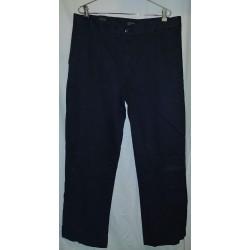 Calça preta W36 L31...