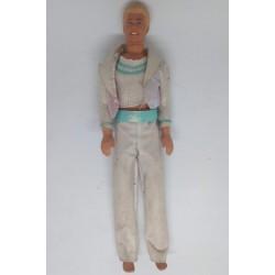 Boneco Ken Mattel fato branco