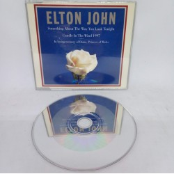 Elton John - Candle in the...